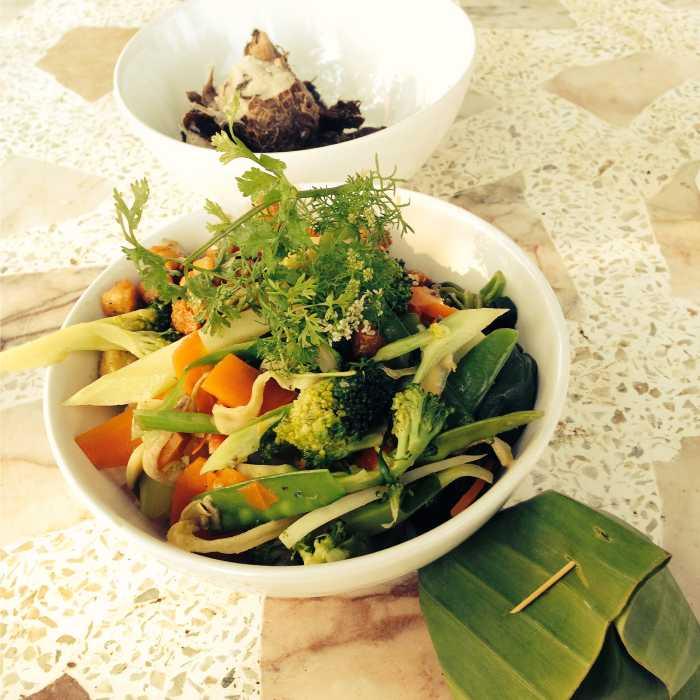 Food in Thai Plum Village