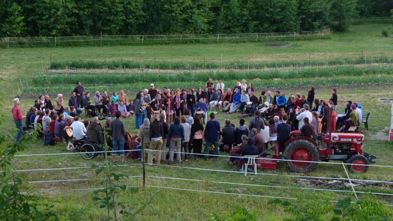 gathering-at-the-farm_courtesy-of-happy-farm